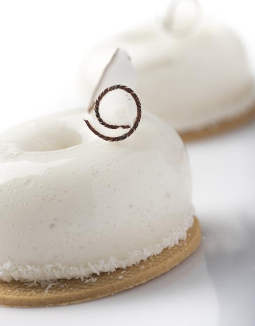 recette-vegan-sans-gluten-mousse-coco_richard hawke pastry